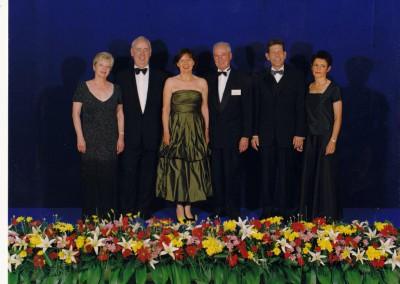 Bärbel und Uwe Quakernack (Bildmitte) bei der Verleihung des ChairmansAward