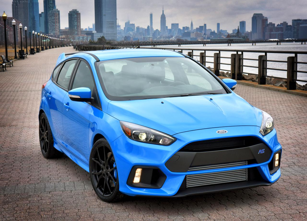 Ford-Hagemeier-FocusRS-NYSkyline-02-HR