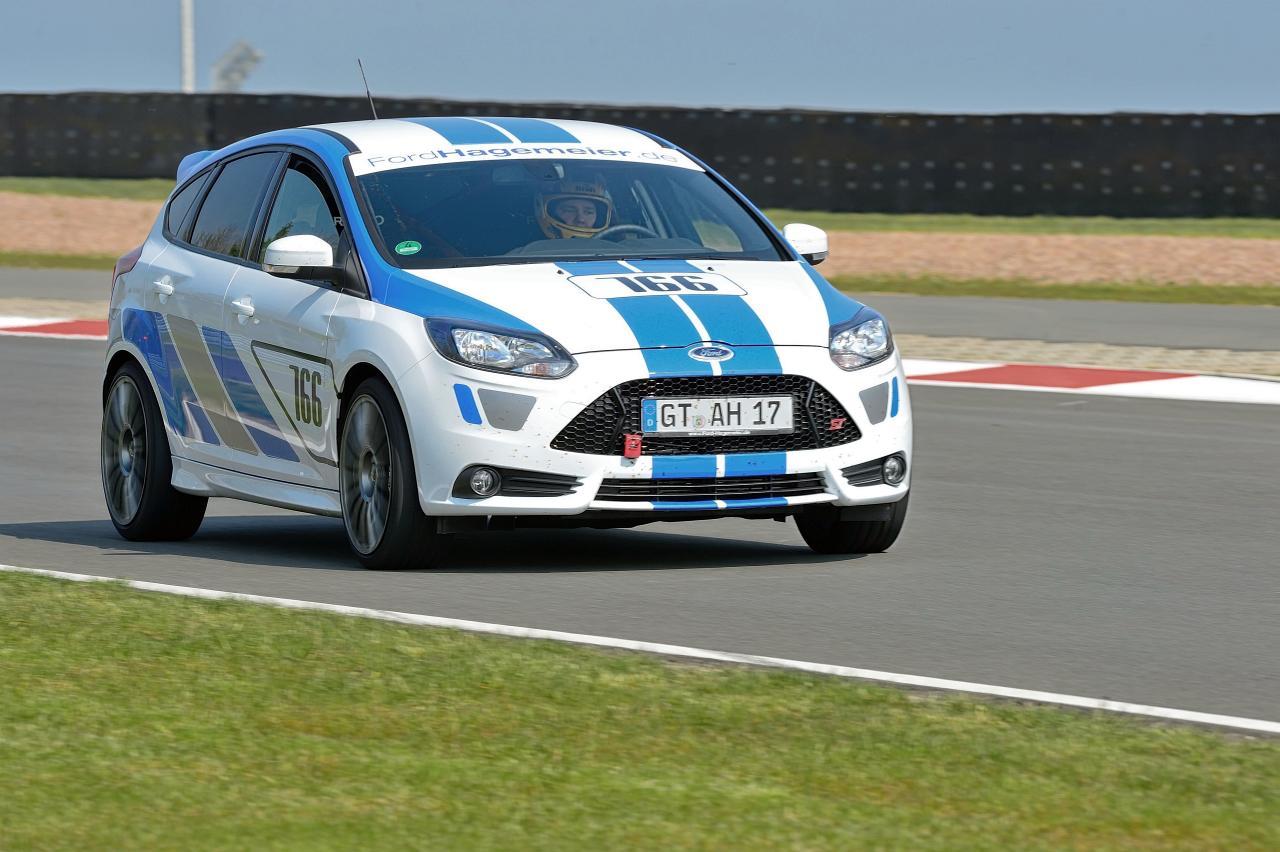 Ford Hagemeier Focus ST Rundstreckenfahrzeug 2
