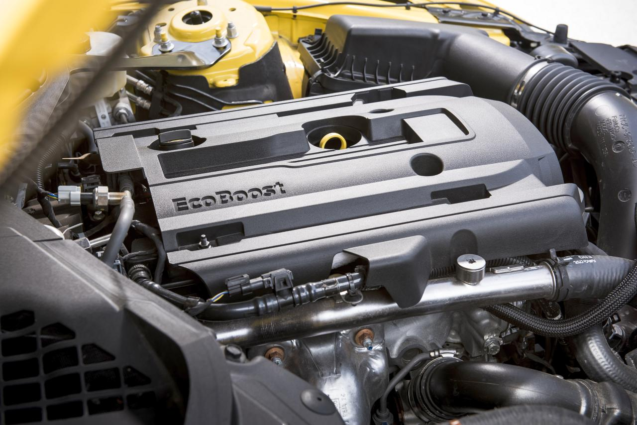 Ford MUSTANG 2,3-l-EcoBoost-Benzinmotor mit Turboladung