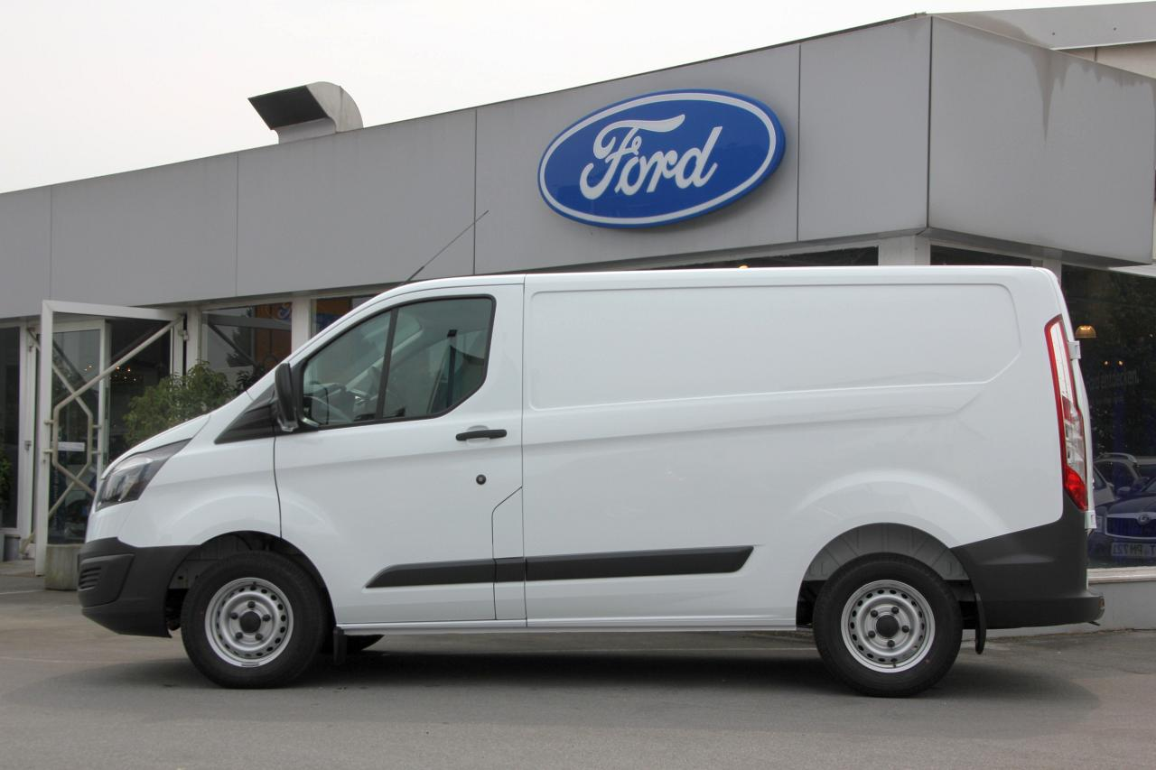 ford transit custom neue ma st be im ein tonner segment. Black Bedroom Furniture Sets. Home Design Ideas